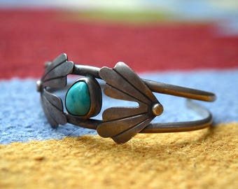 Vintage 70s TURQUOISE and SILVER Cuff Bracelet