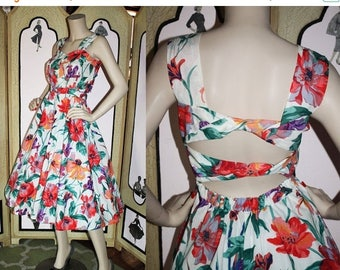 ON SALE Vintage Open Back Sun Dress in Colorful Floral by Together. Small.