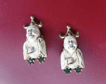 Vintage Crown Buda Clip Earrings