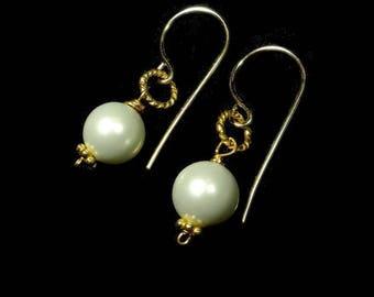 White Pearl Earrings Gold Pearl Bridesmaid Earring Simple Pearl Earring