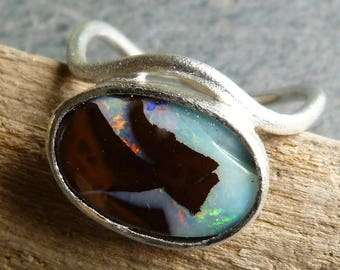 silver ring with 1 australian boulder opal