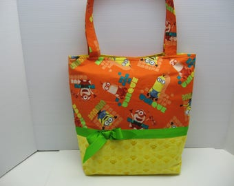 Unique Minions Tote Bag with Five Pockets Inside!