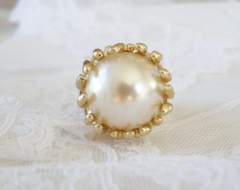 Estate Gold Rhodium BIG Simulated Pearl Modernist Costume Couture Cocktail Dinner Party Ring Size 9