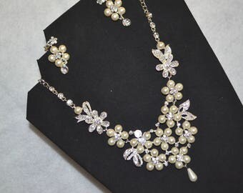 Bridal statement necklace, Bridal pearl jewelry set, pendant Necklace Choker Earring, Crystals, Costume Jewelry Wedding Set, clip on earring