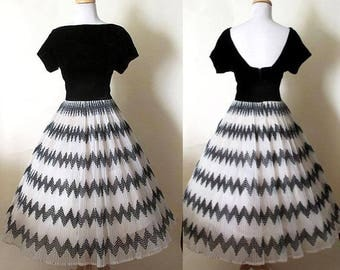 """Fabulous 1950's Velvet and Tulle Cocktail Party Dress with """"Atomic"""" geometric pattern on a full circle skirt VLV Vintage Chic"""