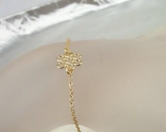 Tiny Flower Bracelet, Gold Flower, Chain Bracelet, Tiny Gold Necklace, 14k Gold Filled, Delicate Bracelet, Bridal Gift, Girl Baby Bracelet