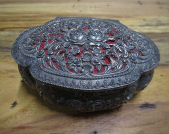 Small vintage filigree metal jewelry trinket box Made in Japan