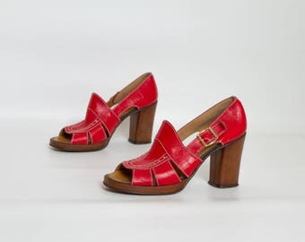 70s chunky heel sandals | red leather open toe shoes | womens size 8 | Bandolinos