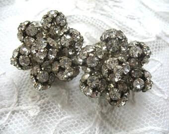 Vintage Rhinestone Earrings ~ Clip On ~ Crystal Rhinestones