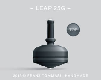 LEAP 25G Black – Precision handmade spin top with dual ceramic tip and integrated rubber grip