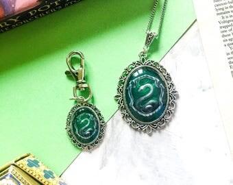 House Crest keyring -  ravenclaw keyring - slytherin keychain - gryffindor keyring - hufflepuff keychain - Potter gift - bookish gift