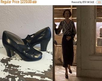 WW2 ENDS SALE An Afternoon Rendezvous - Vintage 1930s Nos Black Leather Elastic Strap Pumps Heels Shoes - 5 1/2C & 6C