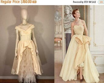 WW2 ENDS SALE In The Salons of Paris  - Vintage 1950s Soft Butter Yellow Tulle Tiered Front Evening Formal Gown w/Pleated Bodice - Xs