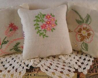 Lavender Sachets Pretty Pink Vintage Linens Shabby Cottage Chic