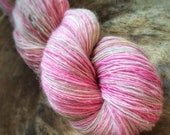 Smile, it's spring! - supreme corridale wool  - single thread handspun shawl yarn 106gr 495m