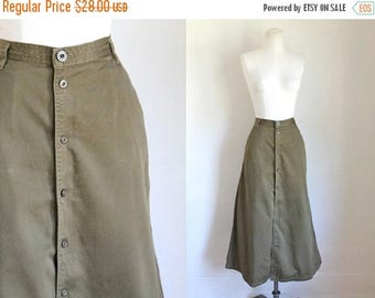 20% off SALE vintage 1980s midi skirt - OLIVE GREEN button front cotton twill skirt / M