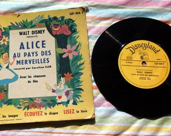 "Vintage 1970 Book and Record set Alice in Wonderland in French Alice Au Pays des Merveilles Walt Disney with 7"" record LLP-306F"
