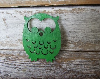 Kelly Green Wood Owl Magnet Whimsical Cottage Traditional Farmhouse Children MidCentury Style Grass Green Owl Ready to Ship M-5