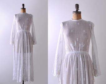 1960's crochet lace dress. 60 boho wedding gown. maxi. xs. bridal. 60's white dress.