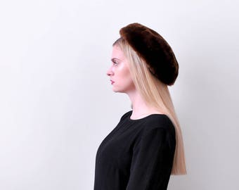 1960's brown fur hat. pillbox. 60's sheered fur tam. Round hat. Flat.