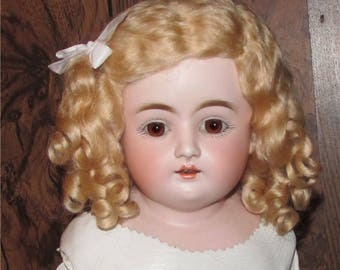 Doll wig 100% mohair , wavy with curls side part Daisy style French German doll