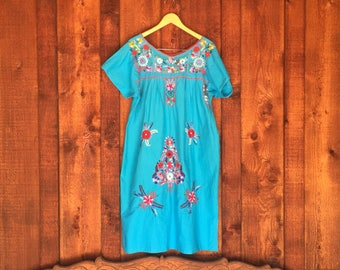 Vintage Turquoise Oaxacan Embrodered Dress