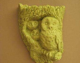 Never Forget Retro Owl Planter / Wall Pocket in New Avocado / Avocado Green Owl Decor
