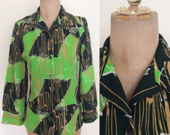 1970's Green Printed Polyester Button Up Top Retro Vintage Hippie Shirt Size Medium Large by Maeberry Vintage