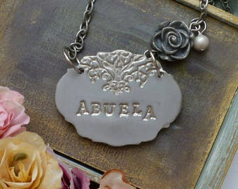 Grandmother Necklace, Gift for Nana, Personalized name, Abuela Necklace, Yia Yia Pendant with Imprinted message