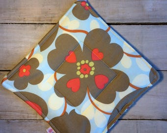 Pot Holder, Hot Pad, Potholder, Fabric Pot Holder, Fabric Hot Pad, Oven Potholder, Oven Hot Pad, Kitchen Potholder-Blue Floral/Cherry Dot