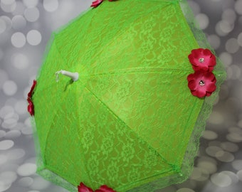 Green Lace Umbrella with Dark Pink Flowers - Flower Girl Parasol - Tea Party Sun Shade - Girls Lime Sun Parasol - Photo Prop - 17010