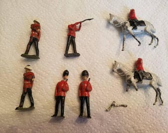Vintage Lot of 7 Lead Soldiers Royal Guards and Mounted Soldiers Horses 1940s As Is