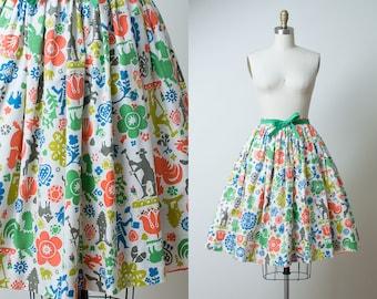 1950s Novelty Print Skirt / 50s Pennsylvania Dutch Cotton Skirt