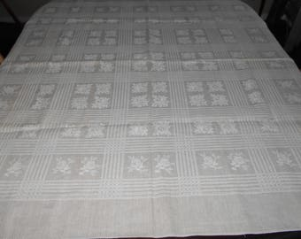 Linen Tablecloth - Vintage Tablecloth - Kitchen Tablecloth - Linens