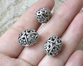 4 pcs of Antique silver hollow out ball partition findings,Charms Bracelet Connectors,Findings beads
