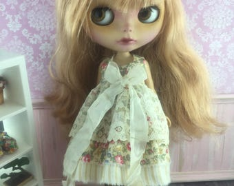 Blythe Vintage Lace Dress - Beige Floral with Stripe