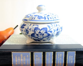 Vintage Chinoiserie Blue White Porcelain Floral Vanity Jar, Round Trinket Box, Covered, Four Toed ... Asian Blue Lotus Blossoms on White