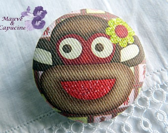 Fabric button, monkey, 1.25 in / 32 mm