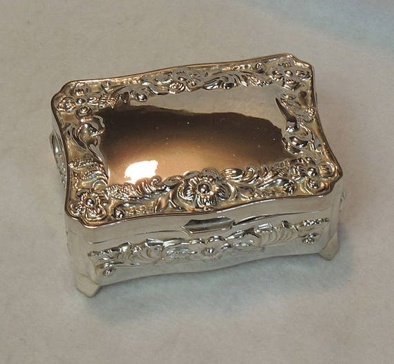"Vintage Silverplate Ornate Footed Jewelry Trinket Box Casket 7"" x 5.25"""