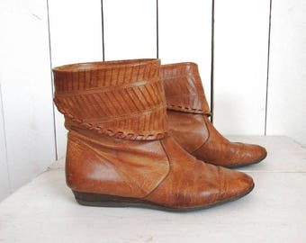 34% Off Sale - Leather Ankle Boots - 1970s Slouch Booties - Camel Brown Vintage Boots - Womens Size US 6 1/2