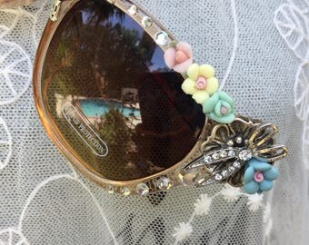Glam HAIRDRESSER - Scissors - Hairdryer and  Blooming Flower SUNGLASSES - Stylist Summer SUNNIES