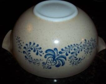 Homestead 443 Cinderella  Mixing Bowl 2 1/2 Quart