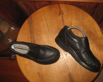 SAS     Slip-on      Casual  Comfort   Shoes     Made In USA      Mens  9  1/2  Wide