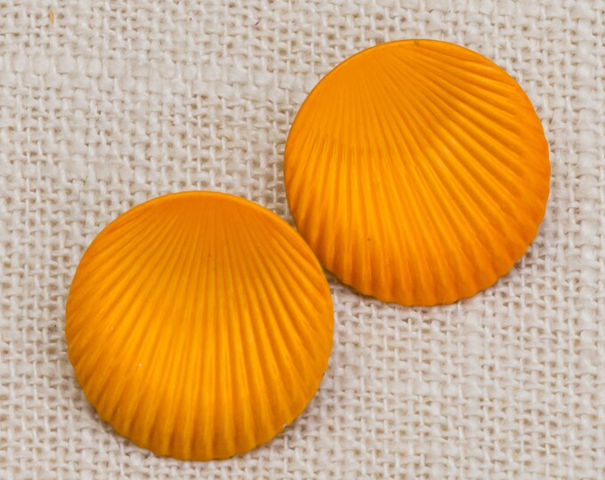 Orange Enamel Vintage Earrings 1990s Seashell Shaped Earrings | Colorful Pierced Earings 7TU