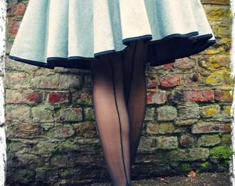 The bottom (jaretelle) black Couture - size single (36-40)