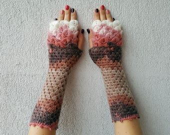 Fingerless gloves Wrist warmers Baselayer Scaled Fingerless mittens cute arm warmers in brown pink white Womens fingerless gloves Lacy glove