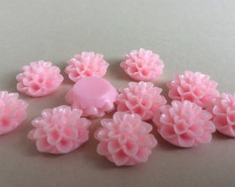 15 Light Pink Chrysanthemum Cabochons Pink Mums Resin Flower Resin Cabochon Cameos 15mm