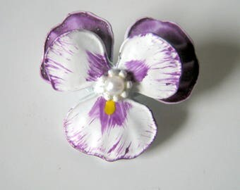 Flower Brooch, Small Vintage Purple and White Pansy Metal Brooch, Gift for her