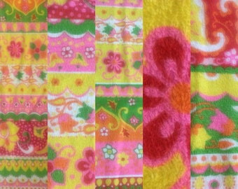2 yds Mint Condition 1960's Flower Power Terrycloth Beach Towling Fabric