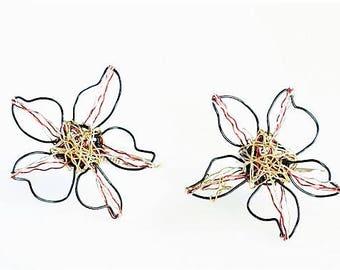 Flower earrings, flower drop earring, wire earrings, ear pin, boho jewelry, black gold, autumn, Christmas gift for women, delicate earrings